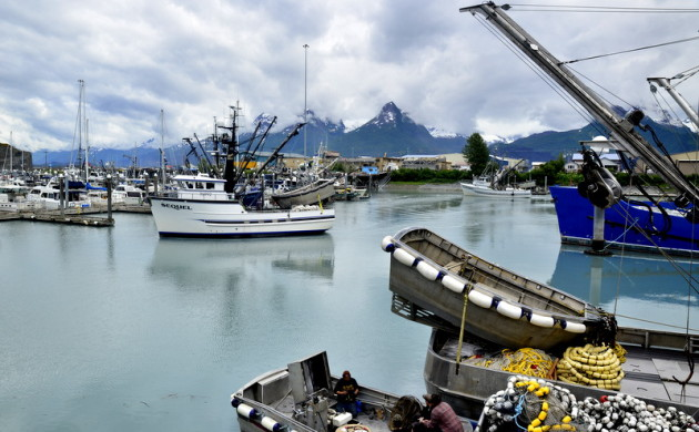 Earthquakes, tsunami's and death in Valdez' past